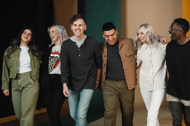 ELEVATION WORSHIP LANZA SU ÁLBUM EN VIVO «TUMBAS A JARDINES»